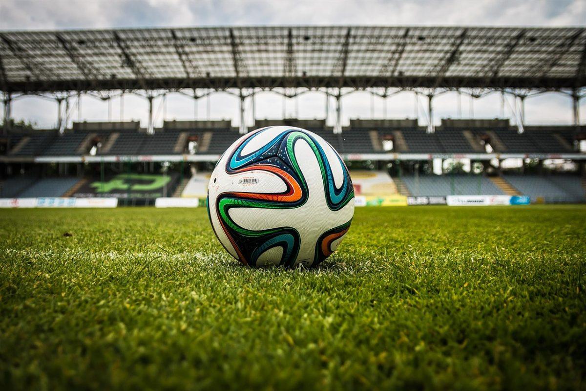 soccer, ball, stadium-488700.jpg